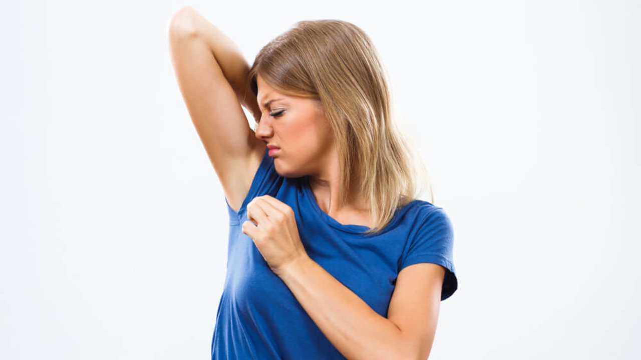 Sweat Smells Like Vinegar Causes And Hacks To Get Rid Of It